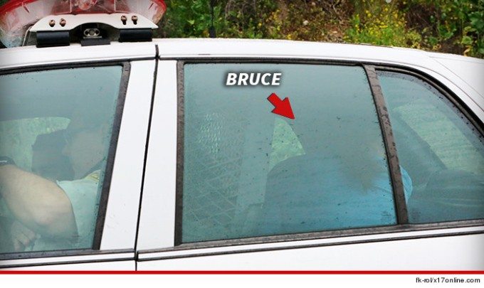 0207-sub-bruce-jenner-in-police-vehicle-fk-rol-x17online-com-4